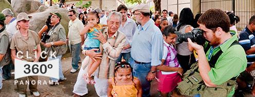 Fernando Gabeira candidato a Prefeito da Cidade Maravilhosa do Rio de Janeiro passeando no Dia das Crianças pelo Jardim Zoológico enquanto conversava com a população ao seu redor
