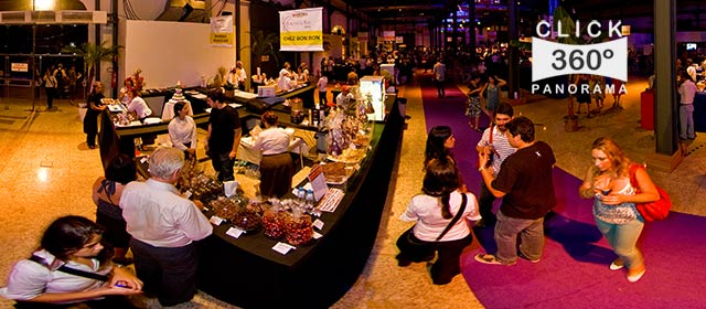Click nesta foto 360 graus para visualizar o standa da Chez Bonbon no Degusta Rio 2009 em foto 360 graus do AYRTON especialista e pioneiro no Brasil desta tecnica de fotografia panoramica imersiva