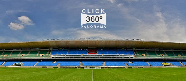 Click nesta foto 360 graus para ver o campo de futebol do Maracanã bem do centro do gramado em  foto 360 graus do AYRTON especialista e pioneiro no Brasil da tecnica de fotografia panoramica imersiva