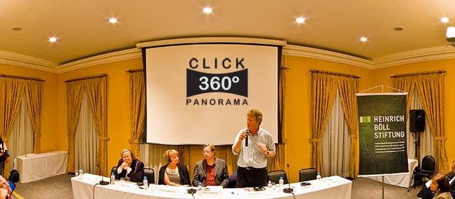 Click aqui em cima desta imagem panoramica para visualizar e ouvir trecho da palestra do Sirkis, no Rio de Janeiro, em foto 360 graus do AYRTON especialista e o pioneiro no Brasil da tecnica de fotografia panoramica imersiva