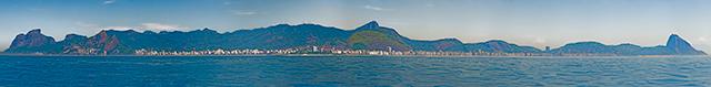 Click aqui em cima desta imagem para visualizar a silhueta da Cidade do Rio de Janeiro, vista de longe formando o Gigante Adormecido, em foto panorâmica HD do AYRTON especialista em imagens panorâmicas e pioneiro no Brasil da tecnica de fotografia panoramica imersiva