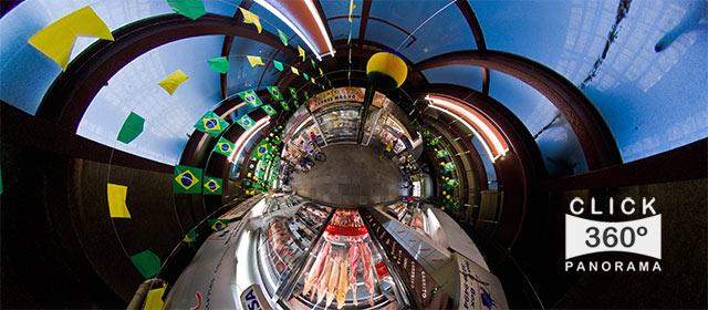 Click neste Little Planet e conheça o interior do Mercado Municipal de São Paulo, na área das carnes nobres, em foto 360 graus do AYRTON especialista e pioneiro no Brasil da tecnica de fotografia panoramica imersiva e de Little Planets