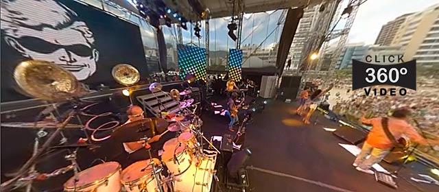 Click na imagem para experimentar a sensação de estar no meio do palco de um show da Blitz, neste video 360 graus do AYRTON360, especialista e pioneiro no Brasil da tecnica de fotografia Panoramica Imersiva, Gigafotos e de Little Planets